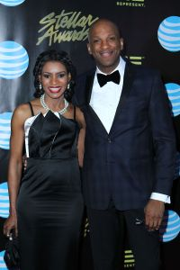 Donnie Mcclurkin Is Getting Marriedto A Woman Fellow Sanctified