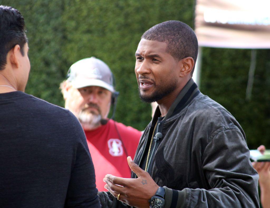 Usher Raymond makes an appearance on 'Extra' TV show